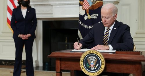 Biden overturns Trump bans on green cards and work permits