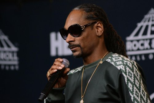 Snoop Dogg Prays For His Mom Who Is Fighting Unknown Illness