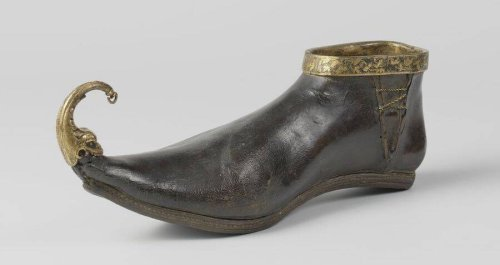 A Pandemic Of Bunions Terrorized Medieval Europe Thanks To The Era's Long, Pointy Shoes