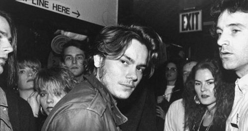 Inside The Viper Room, The Notorious Rock Club Of '90s Hollywood
