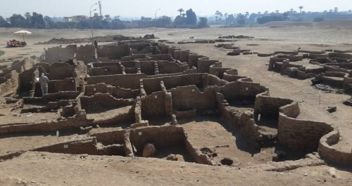Archaeologists Just Unearthed The 'Egyptian Pompeii' That Was Preserved Under Sand For 3,500 Years