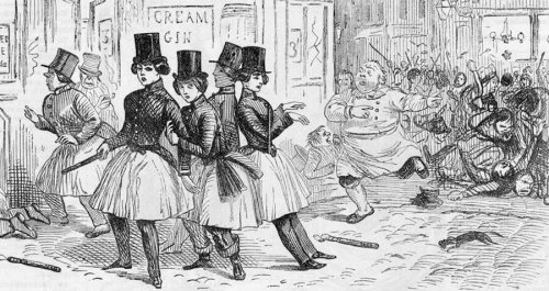 Inside The Bizarre 'Bloomers' Fad Of Victorian America That Had Women Wearing Skirts Over Pantaloons