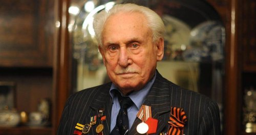 Jewish WWII Veteran Who 'Hunted Fascists' And Was Auschwitz's Last Surviving Liberator Has Just Died At 98