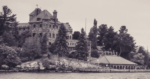 Explore Singer Castle, New York's Turn-Of-The-Century Palace Filled With Secret Passageways And A Dungeon