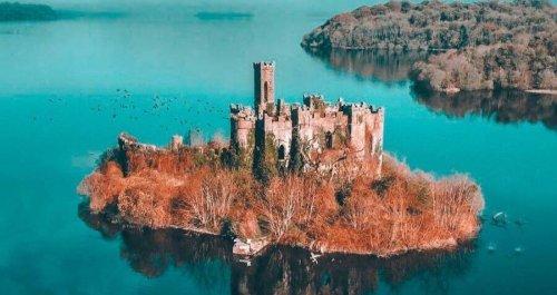 27 Stunning Photos Of McDermott's Castle, The Irish Palace With A Haunting Secret