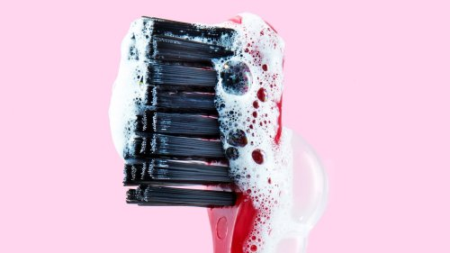 Dentists Reveal the Correct Order to Brush Your Teeth, Floss, and Use Mouthwash