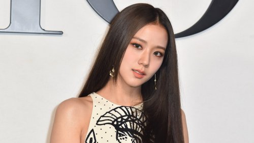 Jisoo of Blackpink's French Manicure Perfectly Suited Her Paris Fashion Week Debut