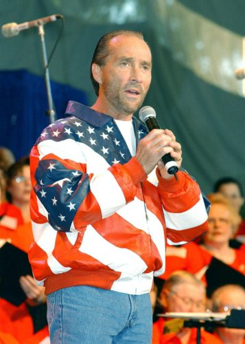 Biden removes Lee Greenwood from National Endowment for the Arts