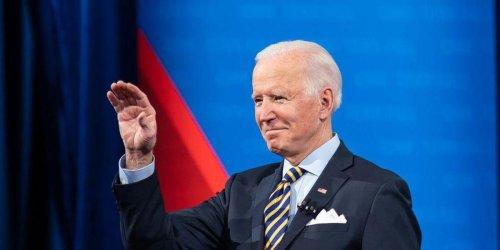 Trump-loving restaurateur's anti-Biden 'only serving patriots' sign backfires