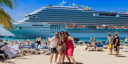 At least eight Royal Caribbean crew test positive for COVID-19 despite vaccinations