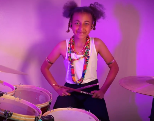 """Nandi Bushell shreds on new cover of Linkin Park's """"Numb""""–watch"""