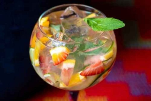 How to Make the Fruit Salad Gin and Tonic