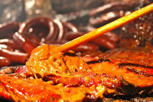 Baste BBQ Meats Like The Pros With This Classic Mop Sauce