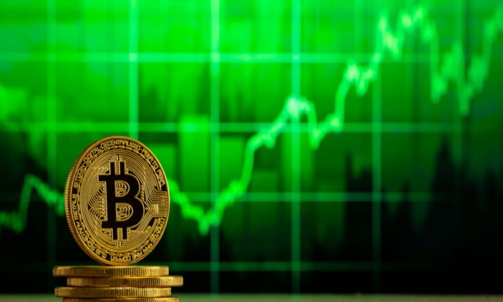Why investing in Bitcoin RIGHT NOW might be a very profitable decision
