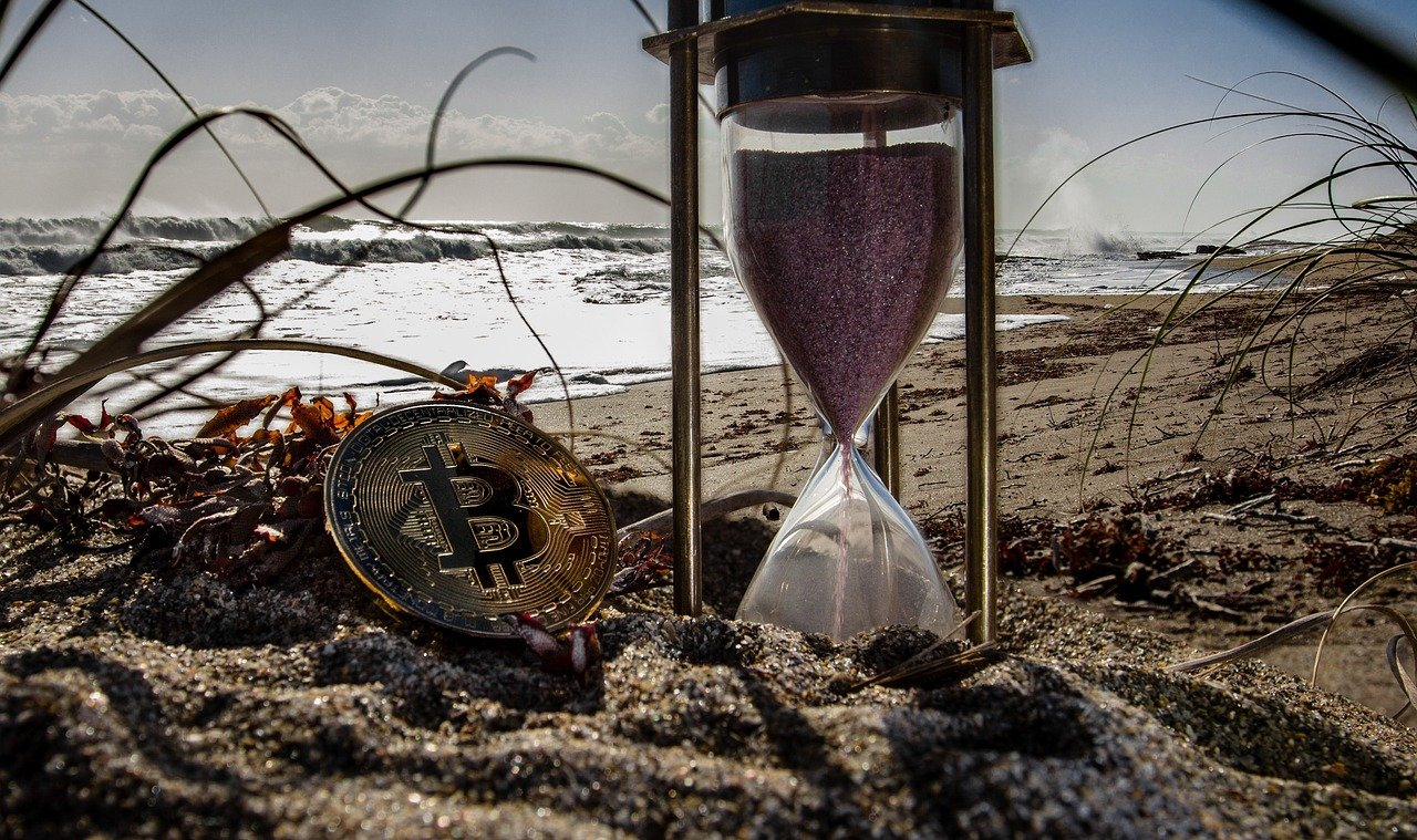Is this a good time to swap your altcoins for Bitcoin?