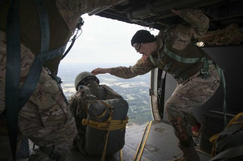 Army paratrooper dies parachuting from Black Hawk helicopter for training