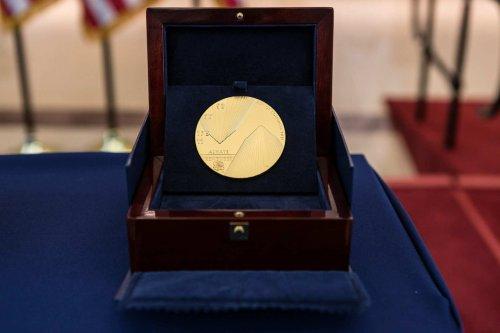 Bataan vets receive Congressional Gold Medal