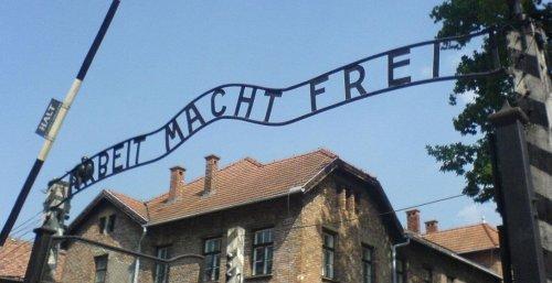 Last surviving Soviet soldier to liberate Auschwitz dies at 98