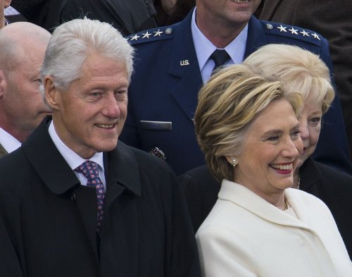 Reporter who broke Clinton-Lynch tarmac story found dead in apparent suicide