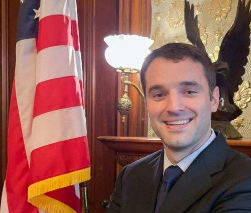 Navy SEAL veteran, fmr. Trump official Latham Saddler enters US Senate race against Warnock