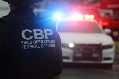 14 armed Mexican soldiers cross into US; Arrested by Border Patrol: Reuters