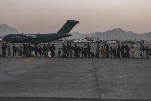 400+ Americans still stranded in Afghanistan, Pentagon confirms