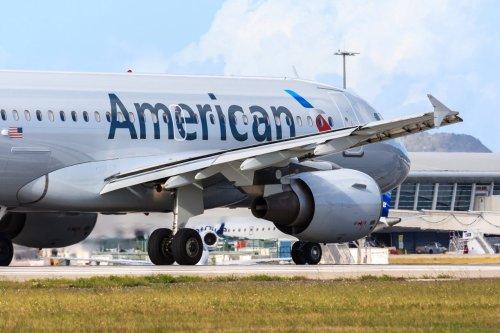 Video: Airplane passengers brawl over reclining seat