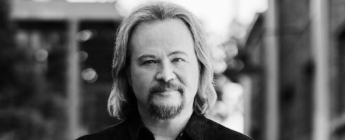 Country Star Travis Tritt Cancels Upcoming Shows Requiring COVID Vaccinations, Negative Tests or Masks