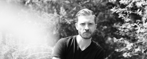 """Daily Discovery: Scott Nicholls's New Track """"Heartbeat"""" Reminds Us It Wasn't All Bad"""