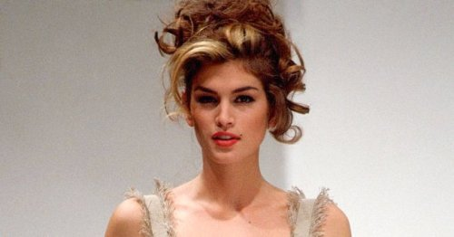 Cindy Crawford Posts Nostalgic Throwback Pic of Iconic '90s Supermodels on IG