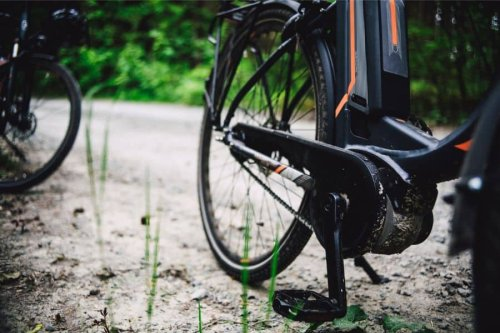 Why does Everyone Hate E-Bikes? - Amped Cycling