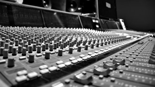 A Tutorial on Spectral Feature Extraction for Audio Analytics
