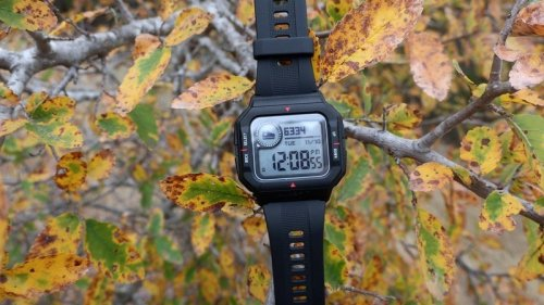 Amazfit Neo review: The retro smartwatch your inner kid will love