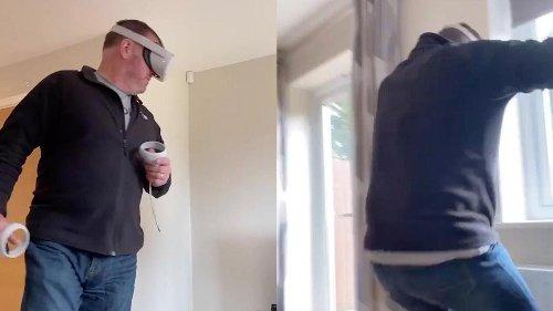 La divertida reacción de un padre que esquiva un autobús usando unas gafas de realidad virtual por primera vez