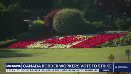 Canada border workers vote to strike