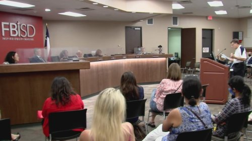 Houston-area parents pleading with school district leaders to reconsider learning options