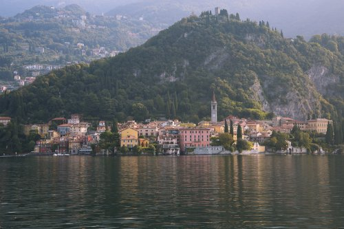See the beauty of the Italian Lakes on a Lake Como Boat Hire