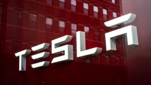 Tesla has closed its forums to launch a social platform and fans are not happy