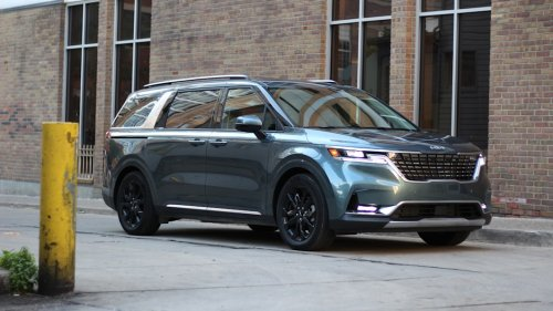2022 Kia Carnival Review | Blending the minivan-crossover line