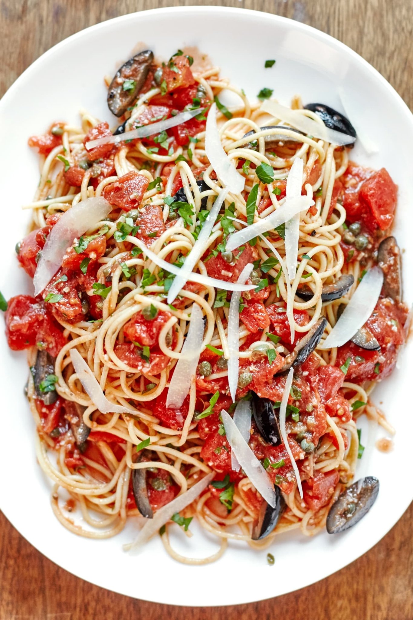 One-Pot Pasta Puttanesca Is a Weeknight Favorite