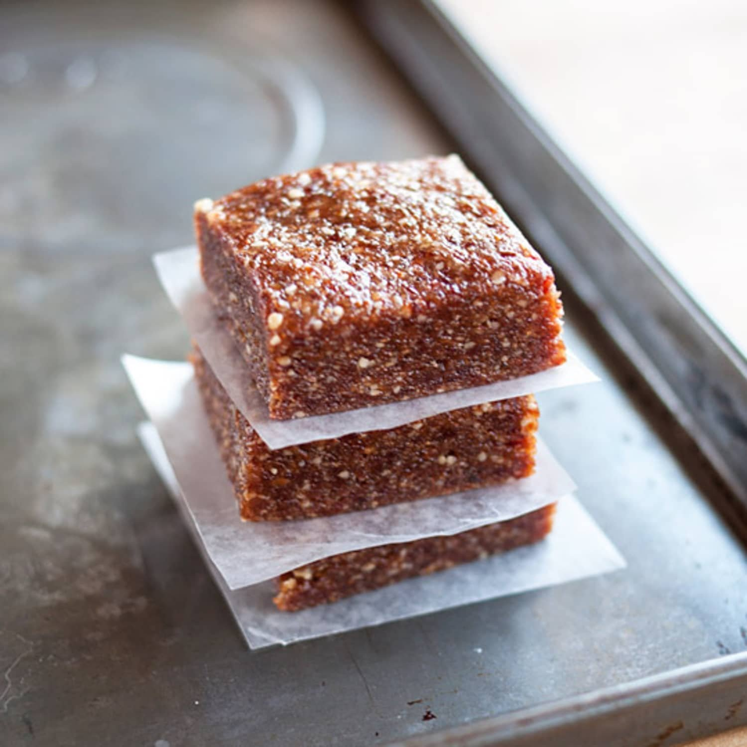 How To Make 3-Ingredient Energy Bars at Home