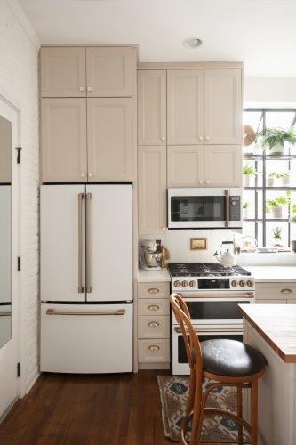 A Tiny Builder-Grade Kitchen Got a DIY Makeover in Just Four Months