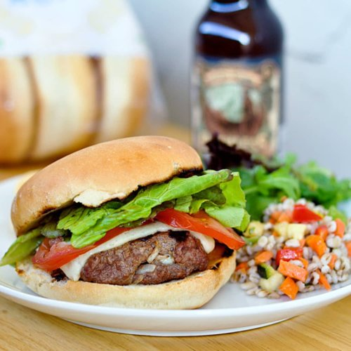 How To Grill Really Juicy Burgers Every Single Time