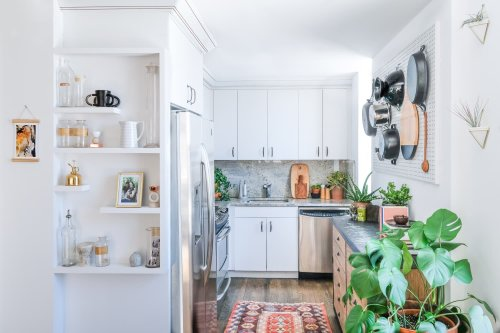 The 3 Best Colors to Paint a Kitchen, According to Real Estate Pros