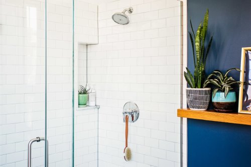 6 Easy Ways to Get (and Keep!) Your Glass Shower Spotless