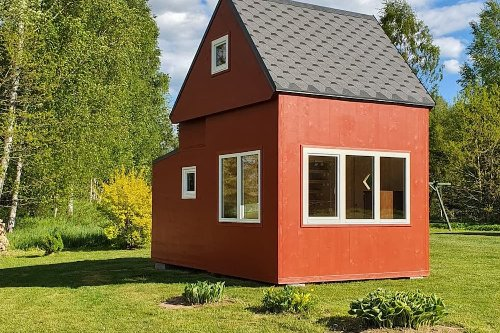This Tiny Prefab Cabin Unfolds Like Origami in Just Three Hours