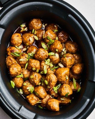5-Ingredient Slow Cooker Honey-Garlic Meatballs