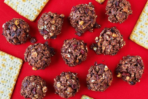 Chocolate Matzo Morsels Are a No-Bake Dessert That's Too Easy Not to Make