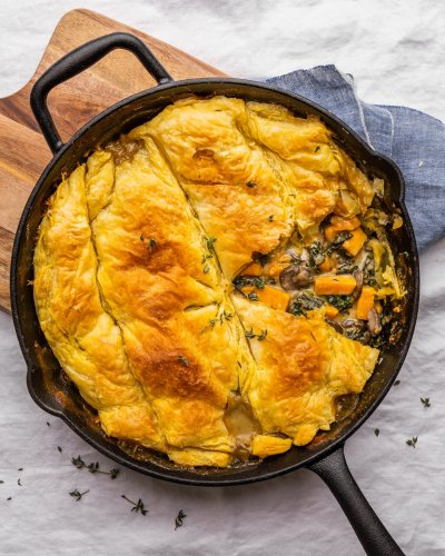 Cozy Up with This Vegetarian Pot Pie On Cold Winter Nights