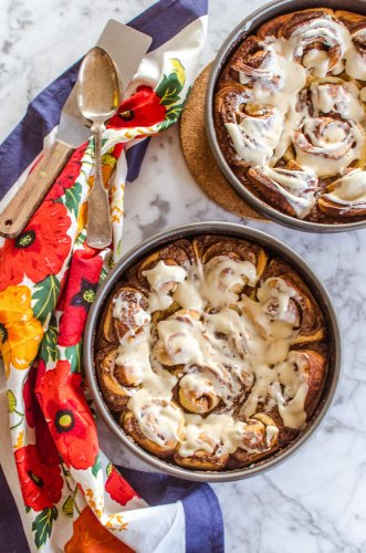 Recipe: Spicy Sticky Cinnamon Rolls with Cream Cheese Icing